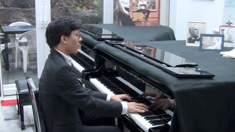 Nuron Mukumi Video