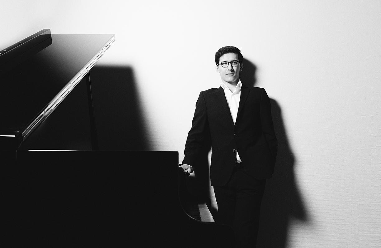 Pianist Nuron Mukumi
